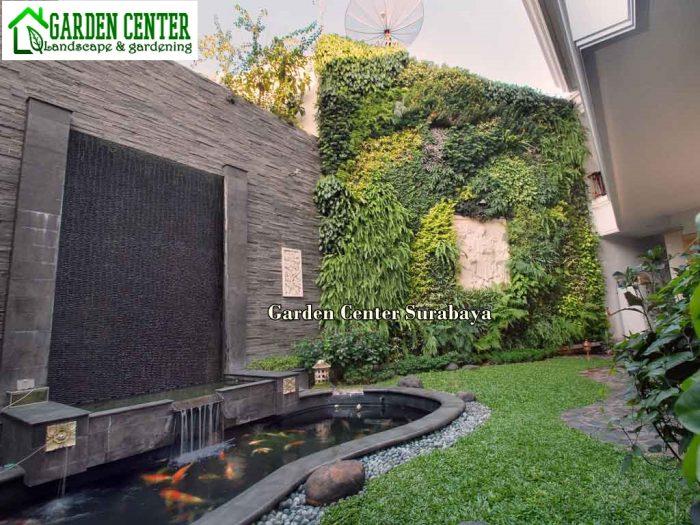 taan vertikal dan kolam belakang rumah