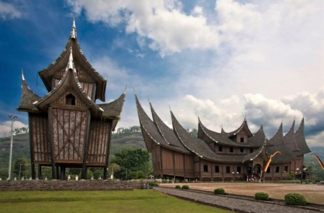 Rumah Adat Sumatera Barat Gambar Dan Penjelasan Lengkap