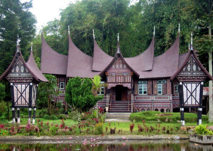 Rumah adat gadang padang
